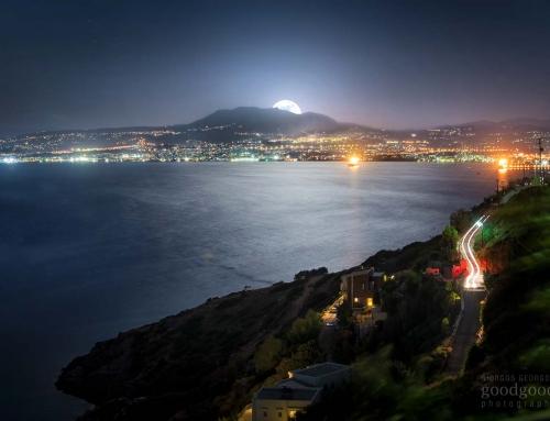 Το φεγγάρι ανατέλει πάνω απο το Ηράκλειο Κρήτης