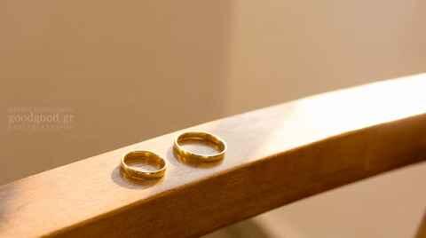 wedding rings on the handrail